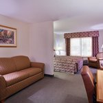 CountryInn&Suites Dubuque  Suite
