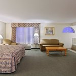  CountryInn&amp;Suites Dubuque  WhirlpoolSuite