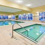  CountryInn&amp;Suites NewarkArpt  Pool