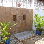 Kanuhura Water Villa Shower