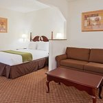  Enjoy the spacious queen suite
