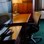 Flat panel TV and free Internet at the Holiday Inn Arlington
