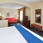  The Woodlands Corporate King Bed Guest Room