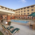  Holiday Inn Express &amp; Suites Springfield Swimming Pool