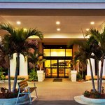  Holiday Inn Express Lake Okeechobee Entrance Night