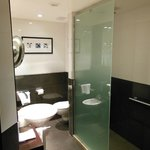  Main suite bathroom