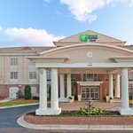  Entrance at the Holiday Inn Express and Suites Vicksburg
