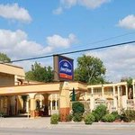  Welcome to Howard Johnson Inn Historic Lake Charles