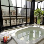 King Premier Penthouse Bath
