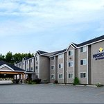 Welcome to the Microtel Inn and Suites Eagle River