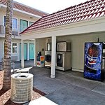 Motel 6 Fresno - Blackstone South resmi