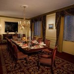 Grand Suite Dining Table