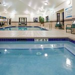  Indoor Swimming Pool &amp; Whirlpool