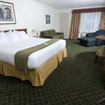  Your comfortable guest room awaits you.