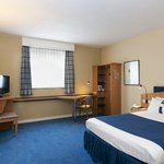 Room for persons with special needs at Holiday Inn Express Antwerp