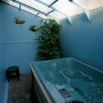  Room 11 Jacuzzi Room