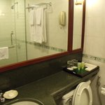 Efficient clean bathroom Sunway Hotel
