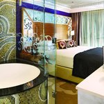  Club InterContinental Signature One Bedroom Suite - Bathroom