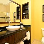  Sk Kjf Mobility Guest Bathroom