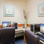 Business Center- Candlewood Suites Portland Airport