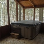 Hot tub in the woods!!