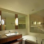 Hilton Guest Room Bathroom