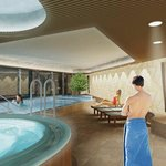  Spa pool and whirlpool