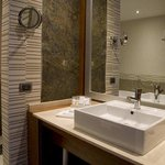  Doubletree by Hilton Novosibirsk Hotel, Russia - Bathroom
