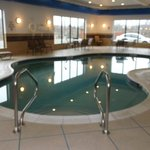 Holiday Inn Express &amp; Suites Fairmont