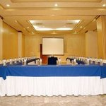  Meeting Room UForm