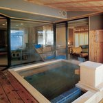  Guest rooms with open-air baths
