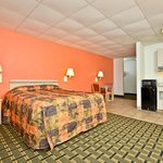 Americas Best Value Inn &amp; Suites-Louisville / Airport