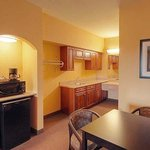 Magnuson Hotel Suites Baytown Room