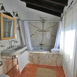 Villa Azenha bathroom
