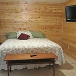  Fairway Cabin Bedroom