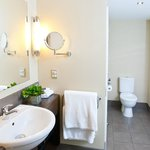  Ensuite for suites