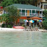 Photo de Phi Phi Beach Front