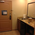 Room - entry and wet bar