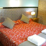  Dormitorio doble con climatizacin y wifi gratis.