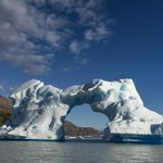  Iceberg at Lago Grey