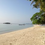  Chaweng Beach with direct access from the pool