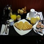  Le Petit Dejeuner en chambre