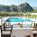 Dalyan River Suites and pool