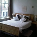 Amsterdam At Home Bed & Breakfast resmi
