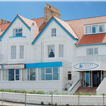  Surfers Hotel