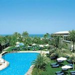 Dubai Marine Beach Resort &amp; Spa