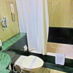  Hotel Raj Park - Bathroom