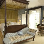  The Blue Bedroom, fourposter with original wallpaper