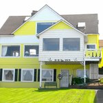 Breyhouse Ocean View Bed and Breakfast Inn�