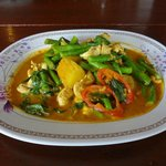 red curry chicken with green beans - good